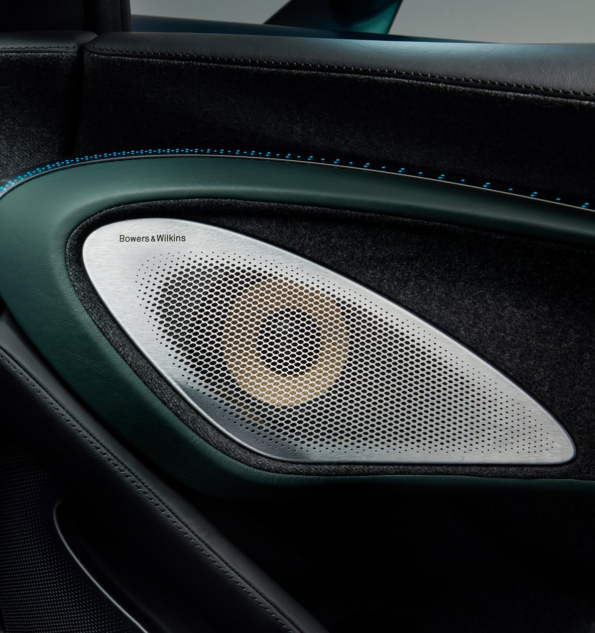 Senna Headlight