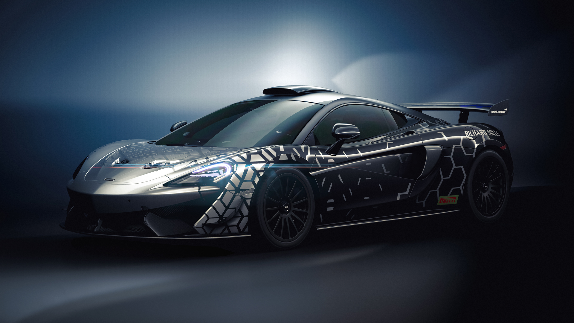 McLaren 620R: a GT4 race car for the road